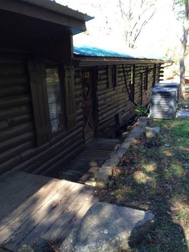 lodges-1-4-10-21-14-487-768x1024