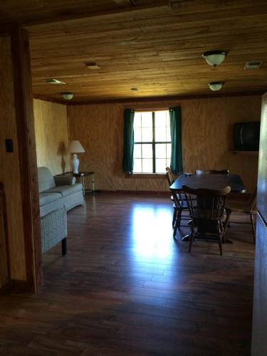 lodges-1-4-10-21-14-495-768x1024
